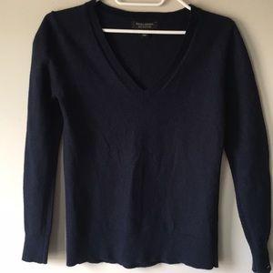 2/$25💞Banana Republic merino wool navy pullover